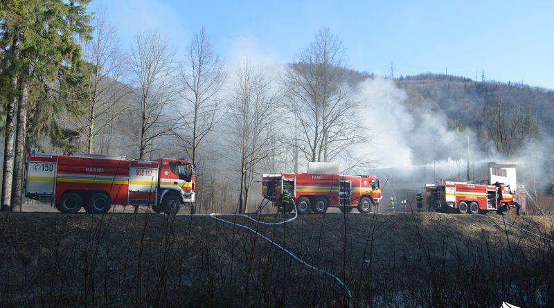 Bývalá budova plavárne v Ľubochni  zhorela