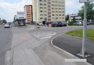 Pomôžte objasniť dopravnú nehodu,  pri ktorej bola zranený cyklista!